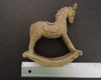 Adorable rocking horse for your Christmas decorations - 14 * 16 cm