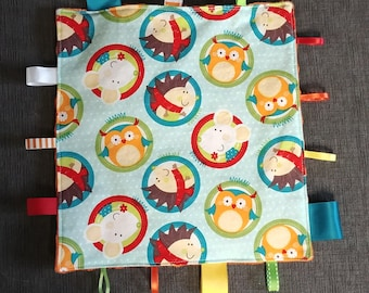 Forest friends crinkly taggy blanket