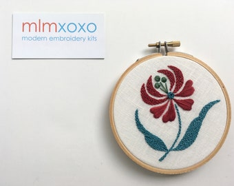 Embroidery KIT by mlmxoxo.  Flower.  modern embroidery kit. flower embroidery.  nature lover's gift.  floral. hand embroidery kit.