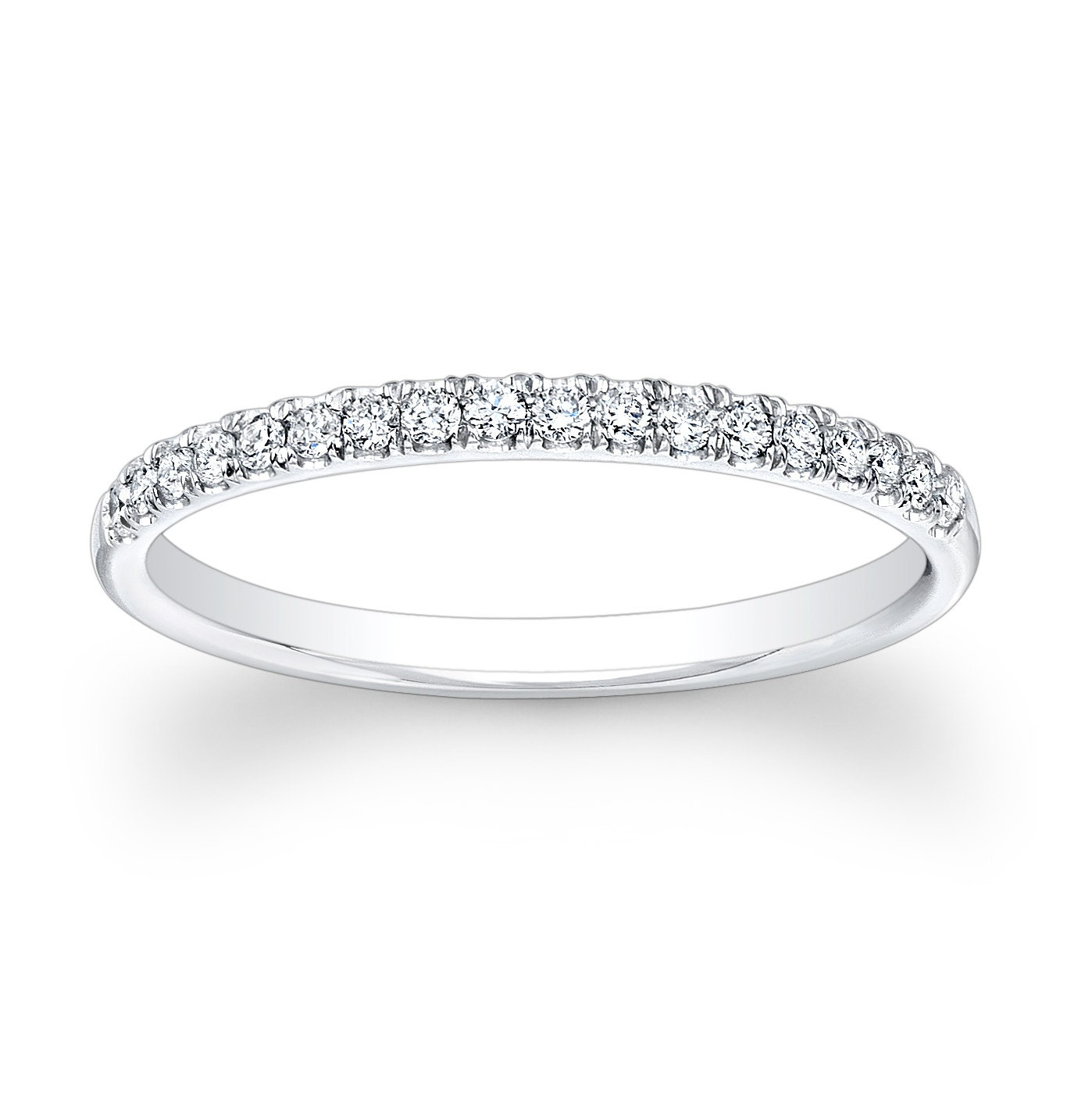Ladies 18kt white gold diamond wedding band 020 ctw GVS2