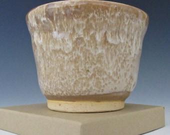 Golden Brown. Tan. Taupe. Honey. Sand. White. Earthtone. Speckled. Gloss. Ramikin #4