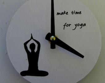 Small wall clock. Yoga clock. Yoga. Vinyl clock. CD clock.