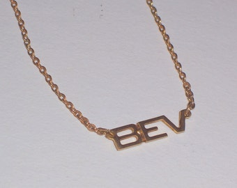 """Vintage  Name  Necklace with """"Bev"""" Beverly Estate Jewelry Costume"""