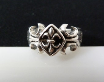 Designer Unique Fleur de Lis Sterling 925 Silver Maltese Cross biker Band Ring