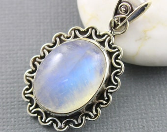 Rainbow Moonstone Pendant, 925 sterling silver pendant, Silver Pendant, Pendant for Necklace, Rainobow Moonstone, Artisan Pendant, (SP-7028)