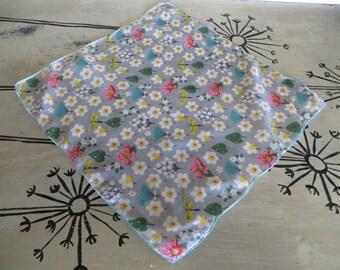 Vintage Handkerchief Spring Hankie Hanky Cotton Handkerchief Butterfly Floral Hankie Firefly Handkerchief Daffodil Leaves