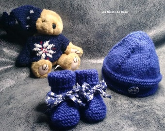 Newborn hat and her little slippers
