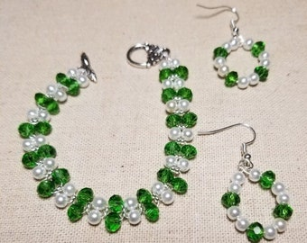 Beaded Bracelet an Earring Set - Green and Pearl