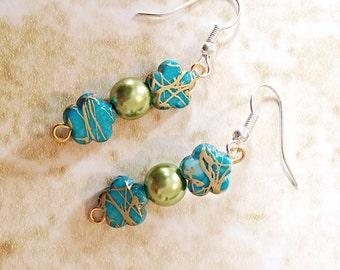 Green Beaded earrings / beaded dangle earrings