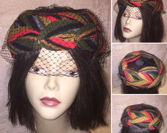Vintage 1950s 1960s Womens Half Hat Cloche Formal Hat Black Red Green Wool Felt Leaves Black Netting