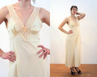 70s Vanity Fair Nightgown M, Vintage Cream Beige Nightie, Tan Ecru Lace Nightgown, 1970s Vanity Fair Slip Dress, Medium