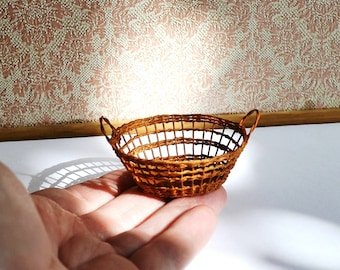 Dollhouse, Miniature Wicker Basket 1:12, Miniature wicker, scale one inch, scale Miniature, dollhouse kitchen