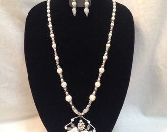 New Handmade Vintage White AB Iridescent Glass & Pearl Beaded Necklace Set W/ A Custom Spider Pendant