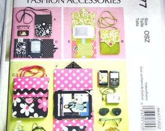 McCall's 6477 -  Electronic Device and E-Reader cover Pattern