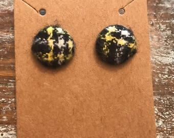 Yellow/Black Button