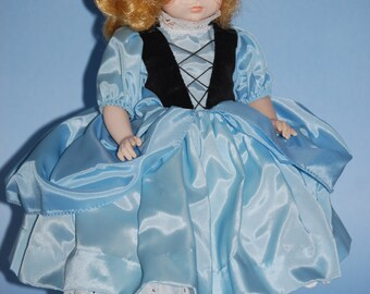 Vintage MADAME ALEXANDER Goldilocks Doll 14""