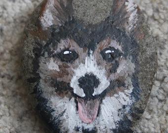 Handpainted Rock - Dog Corgi (paperweight, stone)