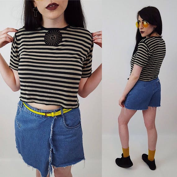 90's Sun Patch Crop Top Small Striped Short Sleeve Tee with Vintage Patch - Black Tan Beige Stripe Baby Tee 1990s Grunge Style Shrunken Top