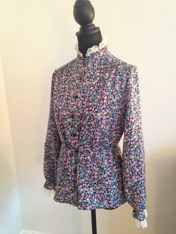 Vintage 70's/80's Flower Print High Neck Lace Trim Victorian Inspired Blouse