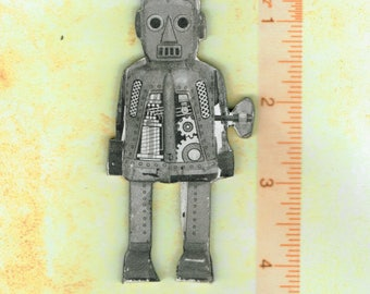 HANDMADE Kitchen Refrigerator Magnet . Wind up Robot 1.