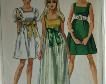 Simplicity 8061 Girl's Dress Sewing Pattern - Vintage - Size Young Jr. - Teen 9/10