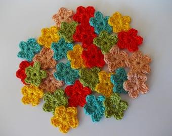 30 mini flower in 5 colors - crochet