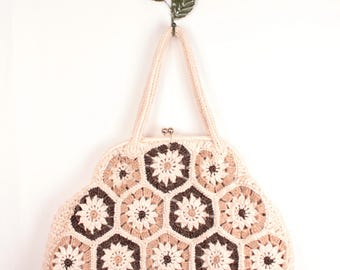 60s raffia handbag // kiss lock frame