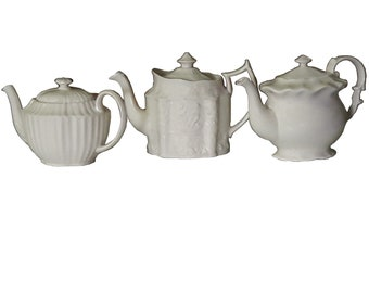 Vintage Cream Teapots Set of 3 Cottage Ivory I Godinger Teapots Creamware Collection of Teapots Cream Display Teapots