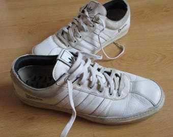 Vintage Vespa size 42 white Adidas sneakers