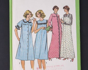 70's Simplicity Sewing Pattern 8197,  Nightgown and Robe 1977, Size 14, S