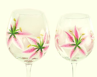 Painted Bridesmaids' Wine Glasses - Pink Stargazer Lilies Set of 10 - Custom Personalised Bridesmaids Spring Summer Wedding Party Gift Ideas