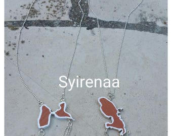 Necklaces map of Guadeloupe and martinique the card