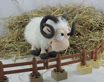 Amigurumi Crochet Pattern - Rambert the Ram - English Version