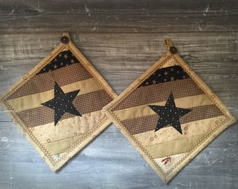 Pair of primitive country-style pot holders, star holders, kitchen pot holders, embroidered pot holders, decorative pot holders, Mother's Day