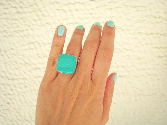 Light green ring, mint green statement ring, silver tone light green resin ring, square cocktail ring, modern minimalist jewelry, colorblock