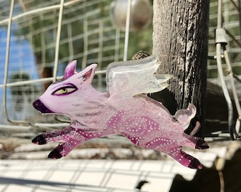 09 flying pig 565 // lucite jewelry, acrylic painting, shawl pin, painted brooch, laser cut, pop art, lowbrow art, mini painting, fan art