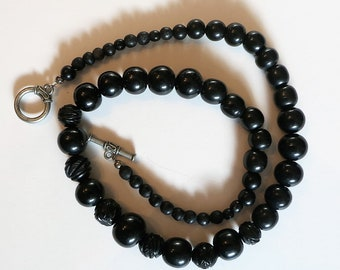 Black Jet Graduated Bead Necklace