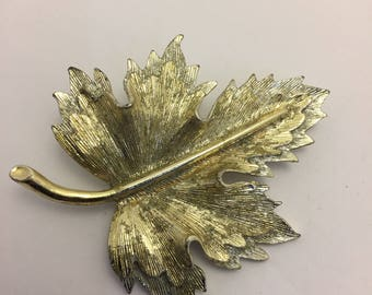 Sarah Coventry Natures Choice 1966 Brooch Lot 764