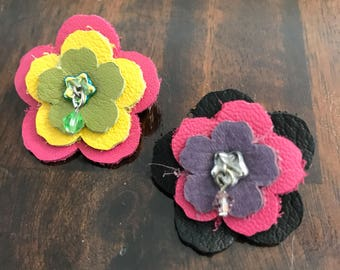 Petite Flower Pin - Leather