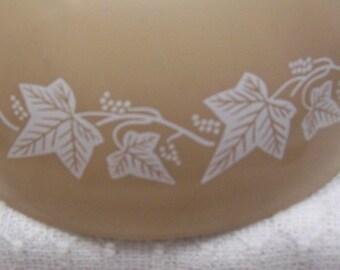 Pyrex Bowl Tan with Ivy Leaf Pattern / brown white