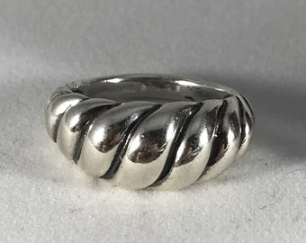 Vintage Chic Sterling Silver Ring