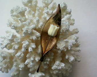 Gold Filled Winard Tulip Pin - 2307