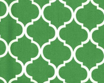 Quatrefoil Fabric White on Kelly Green 100% Cotton
