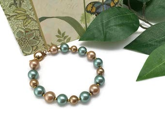 Pearl bracelet, 7.5 inch wrist, ladies jewelry, beaded bracelet, gold glass pearl, sage green pearl, gift for her, bridal party gift