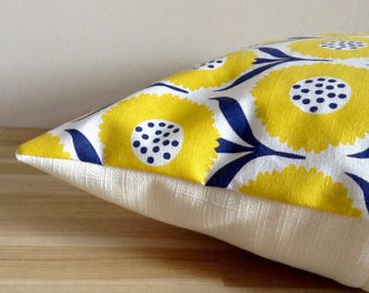 Cushion cover 40 x 40 cm, flowers - yellow, blue and white