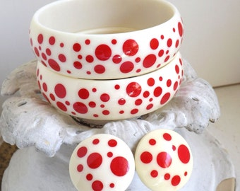 Vintage classic red polka dots on white plastic 2 bangle bracelets and earrings set mid century plastic jewelry rockabilly pinup