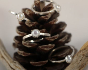 Pearl Ring / Silver pearl ring / Gold Pearl Ring / June Birthstone Ring / Solitaire Ring / Stacking Ring / Mothers Day Gift / Gift for her