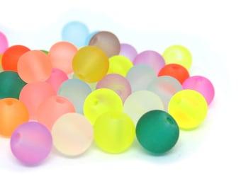 Perles de verre givré couleur assorties - 6mm de diamètre