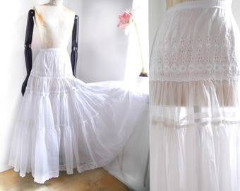Petticoat Vintage white maxi bridal lace and embroidery anglaise skirt rock mod biker wild wedding lace skirt