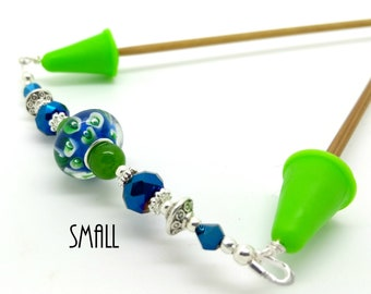 Knitting needle point protector - Green blue beaded needle stitch holder - gift for knitters - Lime needle tip cover end cap - small